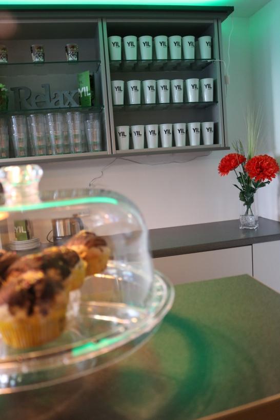 Das Café ist einer der sozialen Treffpunkte der Einrichtung. Die BewohnerInnen haben außerdem die Möglichkeit hier mitzuarbeiten (Foto: Barbara Lersch).