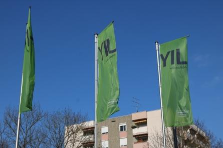 Nach außen gut sichtbar ist das YIL Teil der Nachbarschaft geworden. Die Nachbarn wurden im Vorfeld zu einer Infoveranstaltung eingeladen (Foto: Barbara Lersch).